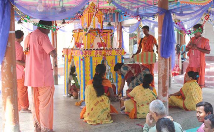 ঠাকুরগাঁও কেন্দ্রীয় গোবিন্দ জিঁউ  মন্দিরে শ্রী শ্রী তারকব্রক্ষ মহানাম শুরু