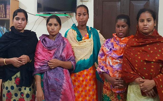 রাজশাহী আদালত চত্বর থেকে ৫ নারী ছিনতাইকারী আটক