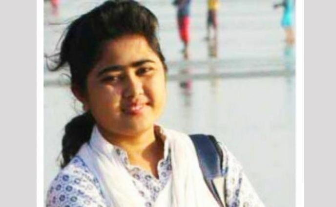 কক্সবাজারে ইয়াবাসহ 'নারী সংবাদকর্মী' আটক