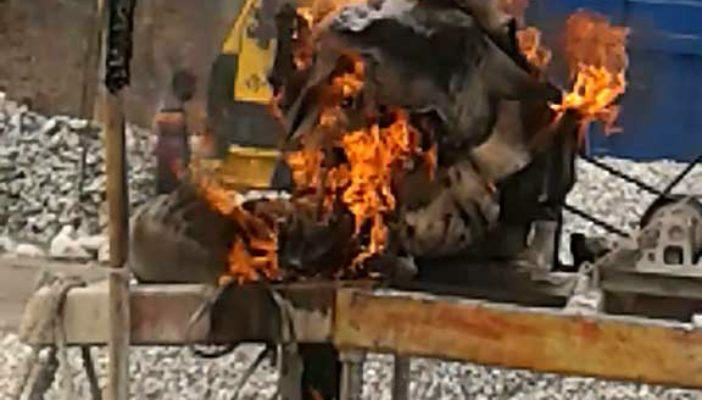 বুড়িমারীতে ভ্রাম্যমাণ আদালতের অভিযান, ৫টি মেশিনে আগুন, ২টি জব্দ
