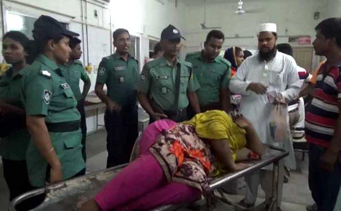রাজশাহীতে পুলিশের গুলিতে নারী মাদক ব্যবসায়ী আহত