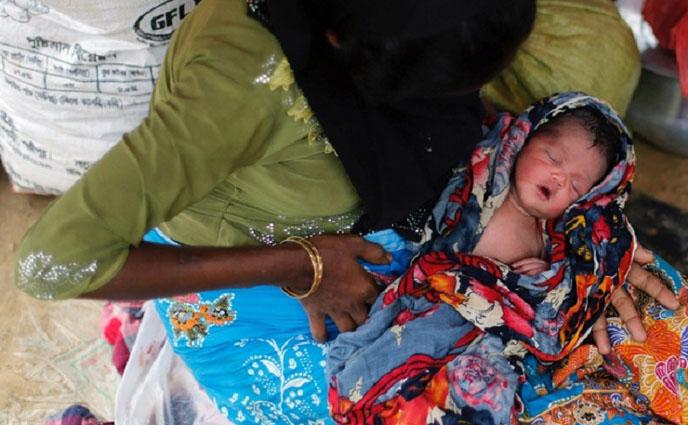 রোহিঙ্গা ক্যাম্পে দিনে ৬০ শিশুর জন্ম