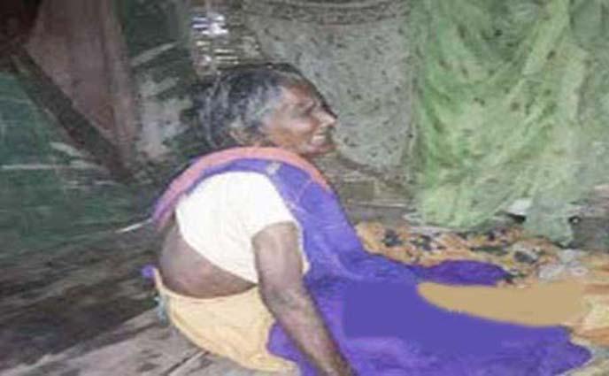 পঞ্চগড়ে বউয়ের কথায় ময়লার স্তুপে 'মা'কে ফেলে দিল গর্ভধারী সন্তান