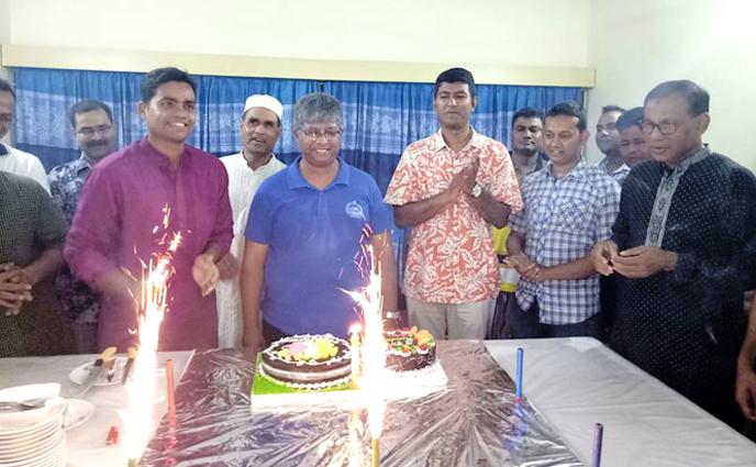ঠাকুরগাঁও জেলা পুলিশ সুপার ফারহাত আহমেদ'র জন্মদিন পালন