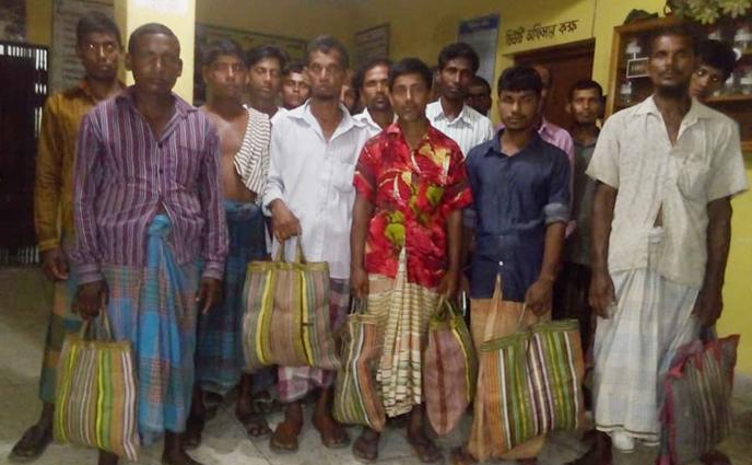 বালিয়াডাঙ্গীতে ৩৭ কৃষি শ্রমিকের বকেয়া মুজুরী আদায়ের দাবীতে বিক্ষুব্ধ শ্রমিকরা গভীর রাতে থানায় অবস্থান