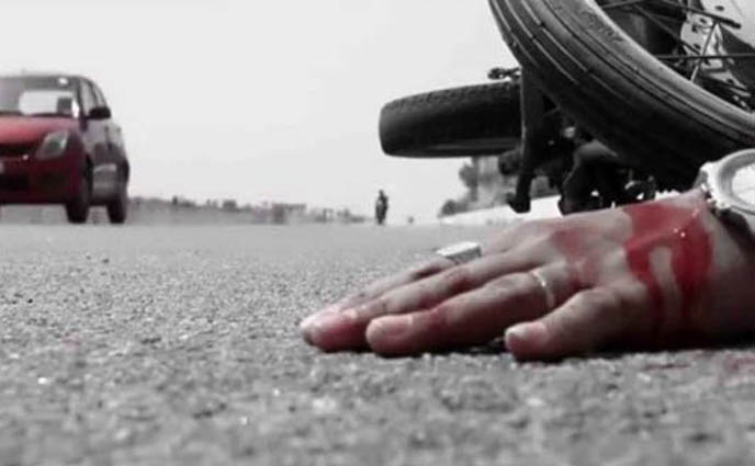 রাজশাহীতে সড়ক দুর্ঘটনায় মোটরসাইকেল আরোহী ও ট্রাকের হেলপার নিহত