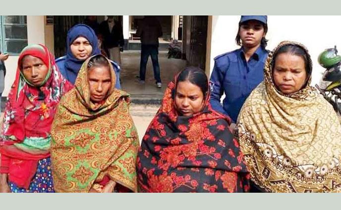রংপুরে জুয়া খেলার অভিযোগে ৪ নারীর কারাদণ্ড