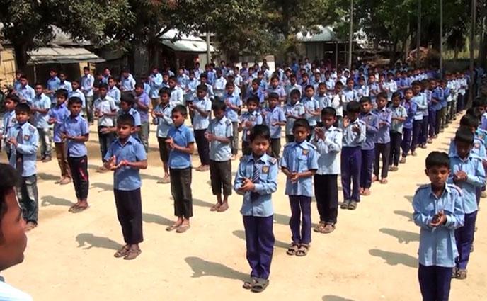 ঠাকুরগাঁওয়ে প্রত্যন্ত অঞ্চলে শিক্ষার আলো ছড়াচ্ছে বৈরচুনা আইডিয়াল স্কুল