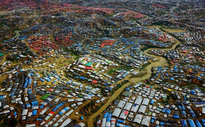 বিশ্বের সবচেয়ে বড় শরণার্থী শিবির বাংলাদেশে
