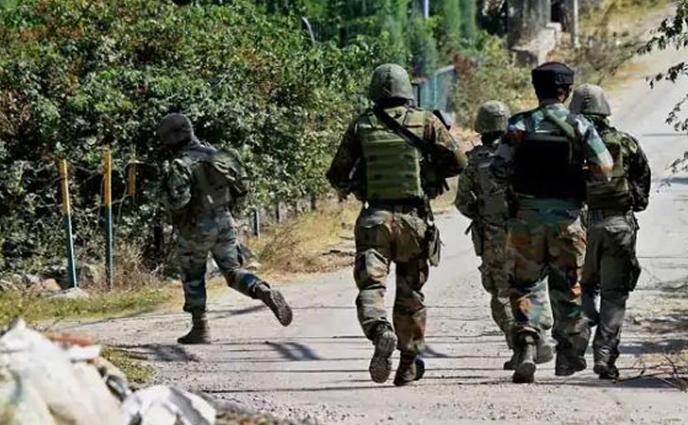 ভারতীয় সেনাদের গুলিতে পাকিস্তানি সেনা সদস্য নিহত ৩