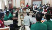 প্রধানমন্ত্রী শেখ হাসিনার সঙ্গে ক্রিকেট দলের সাক্ষাৎ