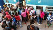ফণীর আশঙ্কায় ভারতে ৪৩ ট্রেন বন্ধ