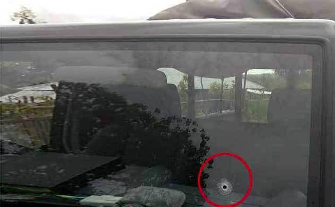সেনাবাহিনীর গাড়িতে গুলি, পাল্টা গুলিতে সন্ত্রাসী নিহত