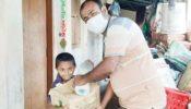 """ত্রিশালে করোনা আক্রান্ত সাংবাদিকের পাশে–""""বনেক"""" সভাপতি খায়রুল আলম রফিক…"""